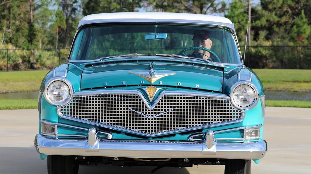 1957 Hudson Hornet Hollywood
