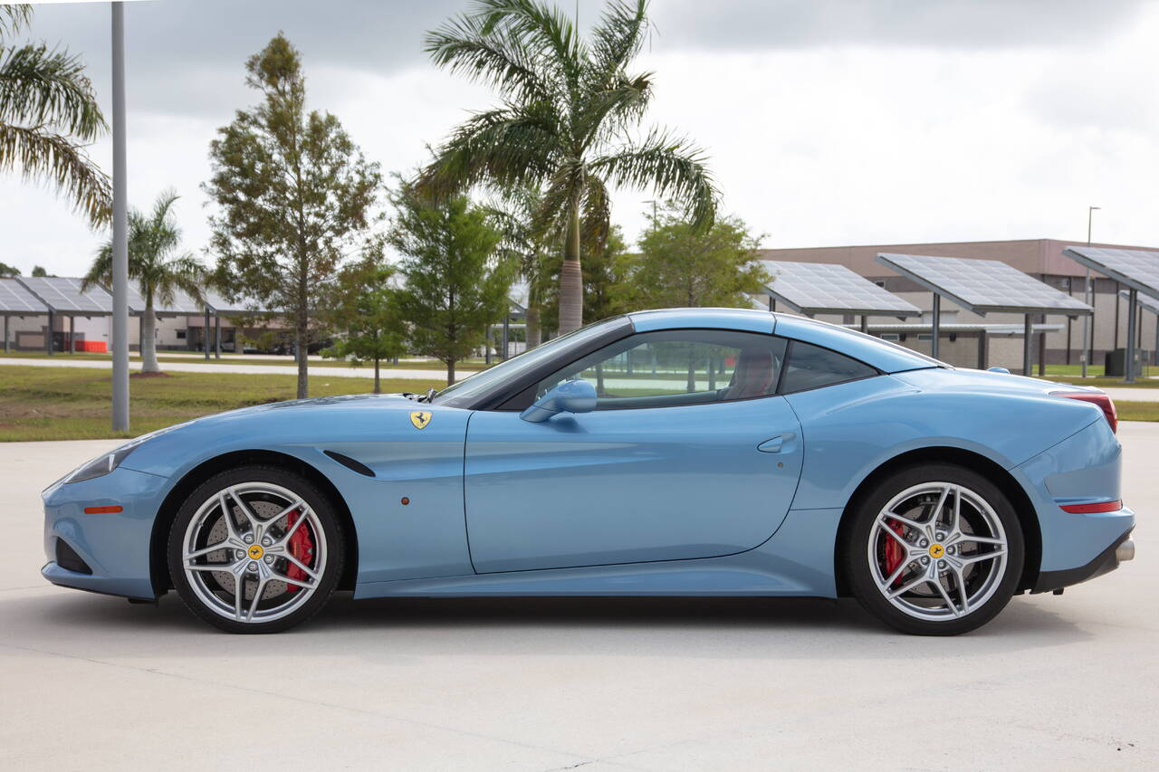 Ferrari California T >> 2015 Ferrari California T